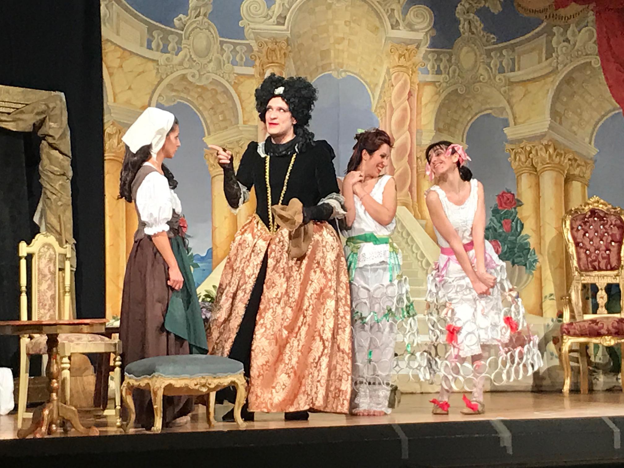 Crema News - Affari di famiglia tutti da ridere al teatro di S. Bernardino